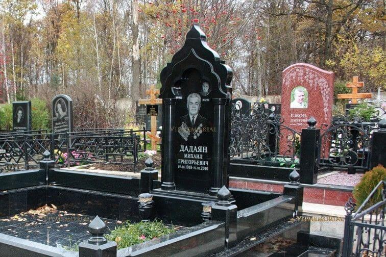 Заказать семейный памятник из искусственного камня в москве недорого изготовление памятников ярославль отзывы