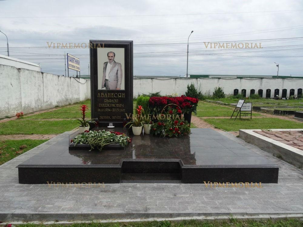 Изготовление памятников фото и цены фото хаванское цены на памятники брянск врачу